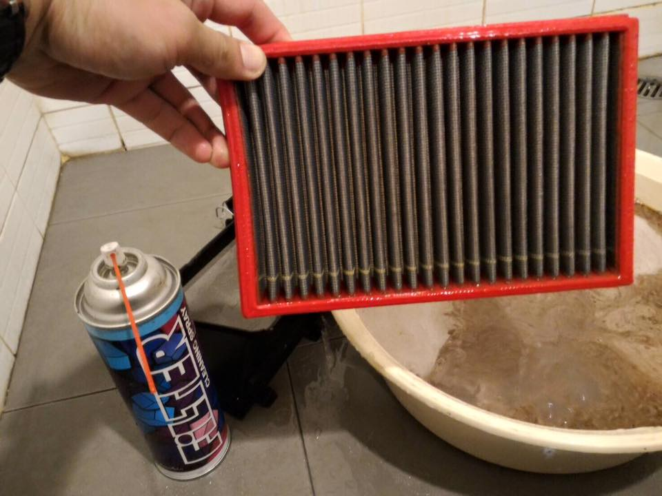 Bộ vệ sinh và bảo dưỡng lọc gió LUBE71 Filter Cleaning Spray 600ml & Liqui Moly Motorbike Foam Filter Oil (Spray) 400ml