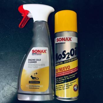 Combo Vệ sinh động cơ máy xe Sonax Engine Cold Cleaner 500ml và Dầu phủ bảo vệ Sonax Mos2Oil 300ml 339200