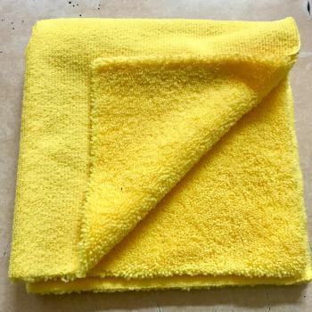 Khăn lau xe không viền 2 mặt Microfiber Edgeless bảo vệ sơn cao cấp (màu vàng) 40cm x 40cm