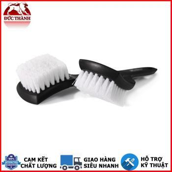 Bàn chải chà vệ sinh cao su lốp xe MaxShine Tire Scrub Brush 21x7cm 7011003