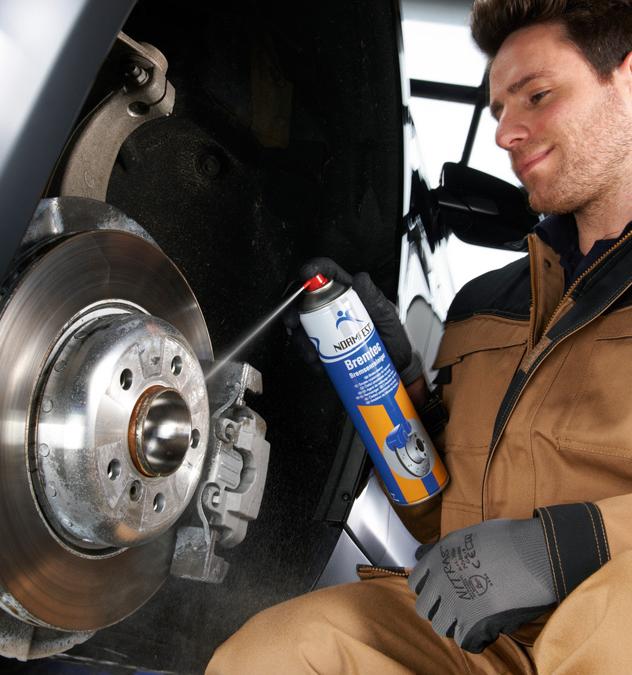 Chai xịt vệ sinh bảo trì thắng (phanh) xe NormFest MC1 Brake Cleaner 500ml