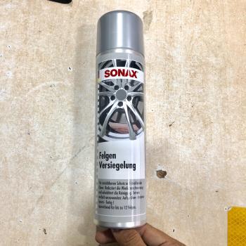 Chai xịt tăng độ bóng và bảo vệ chống bụi bẩn, dầu mỡ cho mâm xe Sonax Rim Shield 436300 400ml
